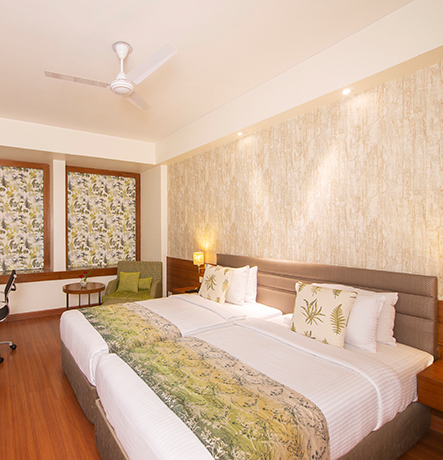 Ideal for the business traveler and leisure guest, the Club rooms are contemporary and elegant in design. Each room features a working station and offers excellent room facilities.…