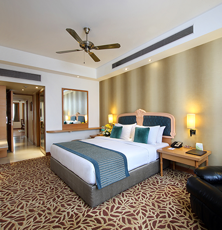 Orient inspired suite with delicate furnishing and Feng Shui elements will make you feel relaxed whilst your stay here. Mandarin paintings adorn the walls and classical furniture adds charm to…